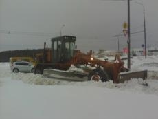 Cнегоуборочная техника работает в круглосуточном режиме