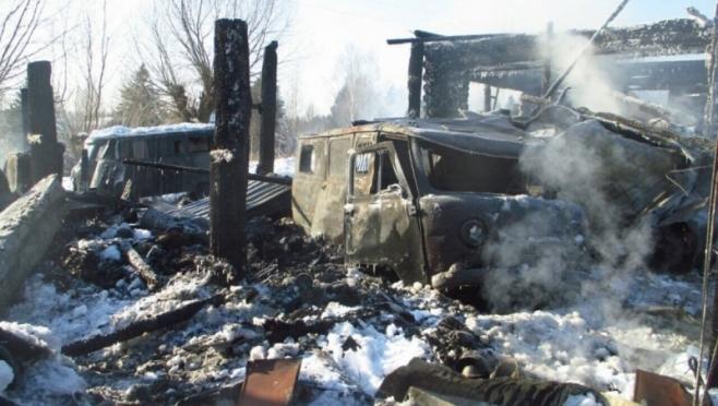 Три автомобиля повреждены огнём в результате пожара в Волжском районе