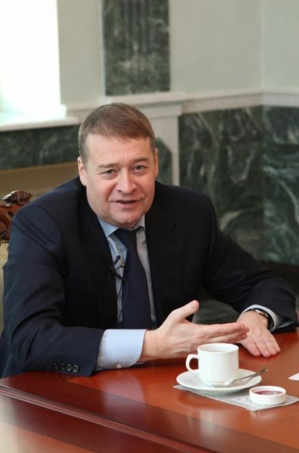 Леонид Маркелов первые поздравления с днём рождения принимает в Нижнем Новгороде
