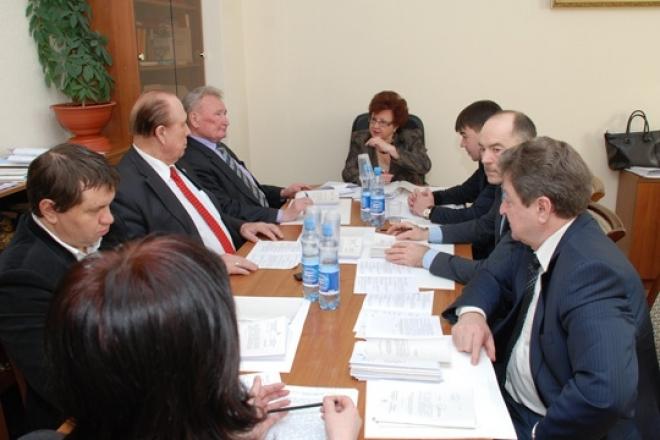 Депутаты Госсобрания продолжают изучать проекты сессионных документов