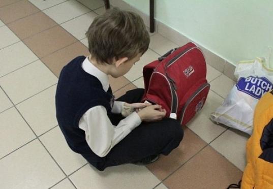 Школьник воровал из дома, чтобы сдать более 100 000 рублей «на общак»