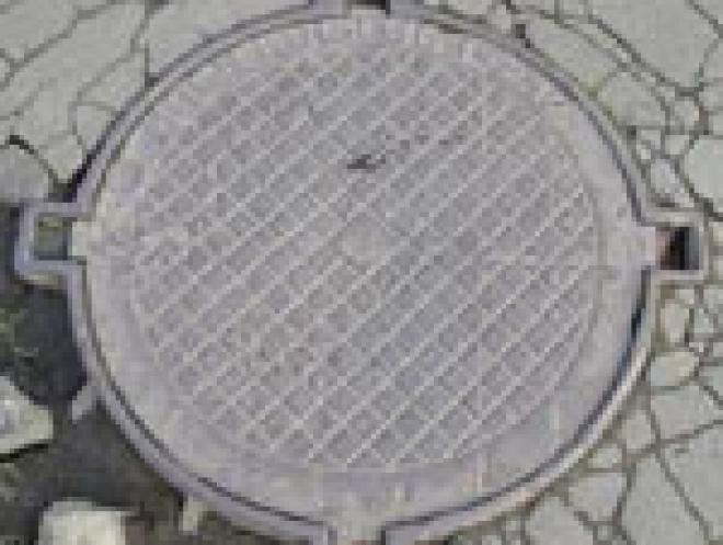 Специалисты йошкар-олинского МУП «Водоканал» не могут приступить к ликвидации аварии - прорыву водопровода на пересечении улиц Советская и Панфилова