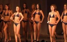Красавицы Марий Эл примеряют купальники, вечерние платья и шпильки