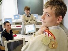 Победителям школьных олимпиад дадут четыре года форы для поступления в вузы