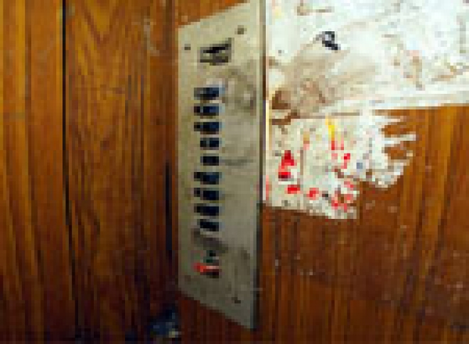 В микрорайоне Сомбатхей (Йошкар-Ола) подожгли лифт