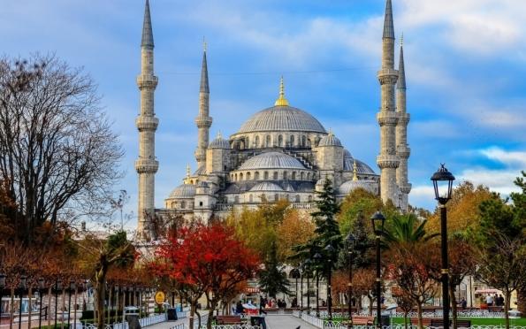 В Турцию — по российским паспортам