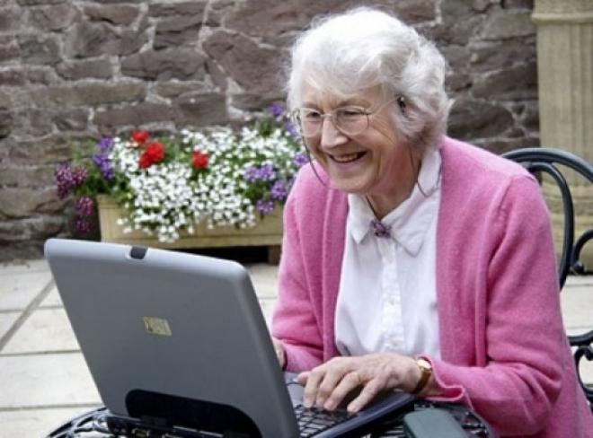 Первым пенсионерам-студентам покорилась Всемирная паутина