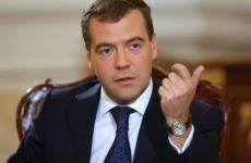 Медведев поддержал идею повысить возрастной ценз на продажу алкоголя до 21 года