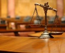 Директор автошколы предстанет перед судом