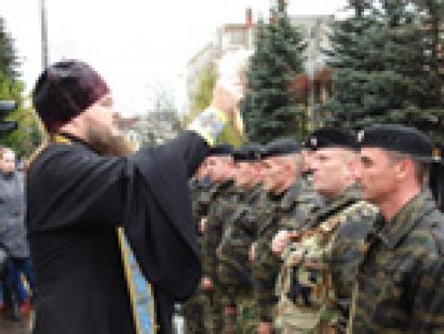 Священники учат милиционеров Марий Эл толерантности