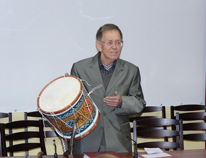 В народных коллективах будут фирменные марийские барабаны