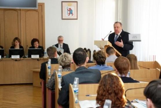 Парламентарии Марий Эл готовятся к первой сессии 2013 года