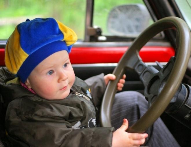 Более 300 тысяч рублей заплатят нерадивые родители-водители