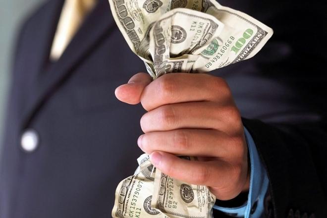 Пьяный депутат из РТ предложил 300 долларов инспектору ДПС