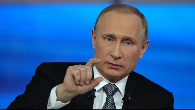 Владимир Путин урезал зарплату себе и высокопоставленным чиновникам