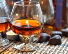 Крепкий алкоголь вытесняют из розничной сети