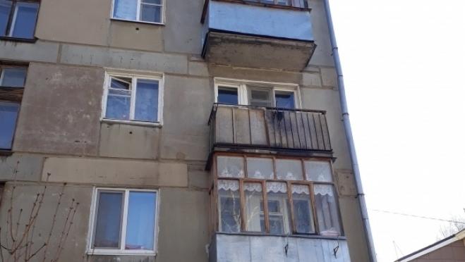 Окурок мог стать причиной пожара на балконе дома в Йошкар-Оле
