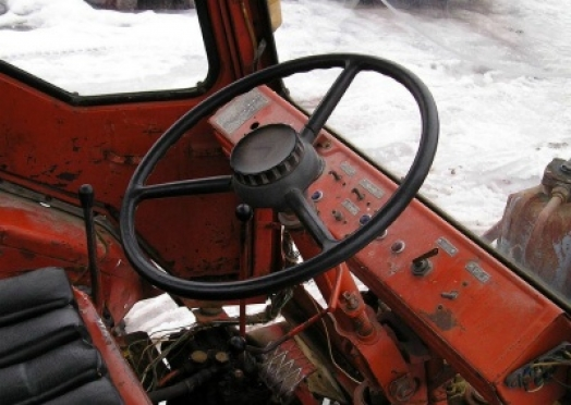 Житель Марий Эл угнал трактор, чтобы доехать до соседней деревни