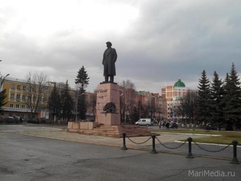 В Йошкар-Оле площадь Ленина становится излюбленным местом аграриев