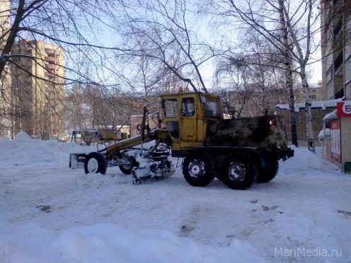 В Йошкар-Оле на уборке снега задействованы 49 спецмашин