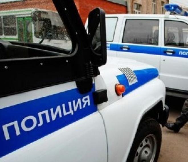 Полицейские Марий Эл с коллегами задержали машину с оружием