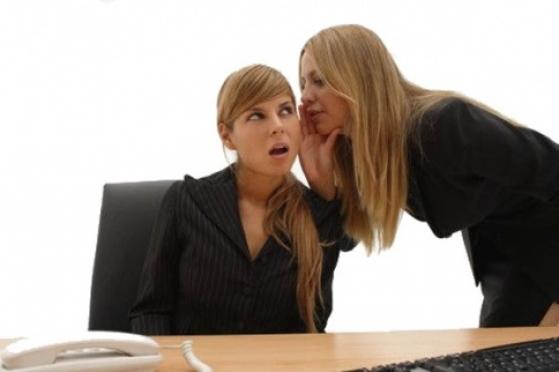 42 процента работников компаний Йошкар-Олы страдают от болтовни коллег