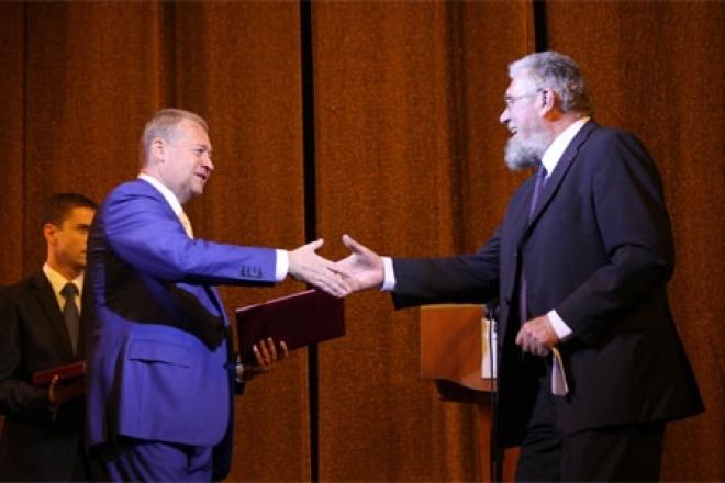 Глава Марий Эл посвятил свое новое стихотворение новому театру