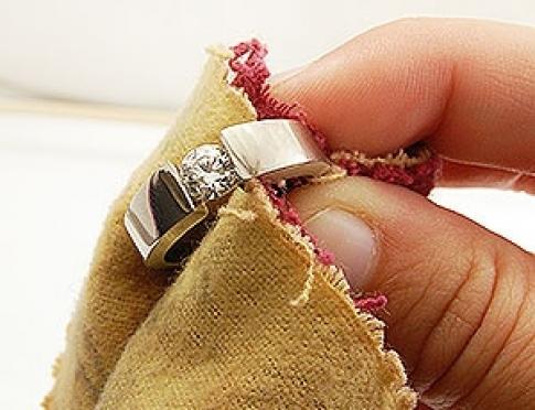 Как правильно ухаживать за ювелирными украшениями?