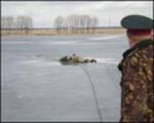 В Йошкар-Оле мужчина провалился под лед