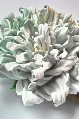 Цветы из натуральной кожи постер