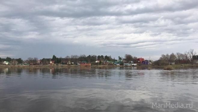На Чебоксарской ГЭС на 40 минут открыли водосливную плотину