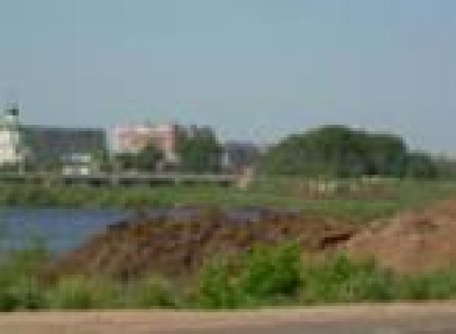 Прибрежную зону реки М.Кокшага закатают в бетон (Йошкар-Ола, Марий Эл)
