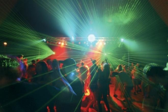В ночном клубе Йошкар-Олы задержан мужчина с крупной партией гашиша