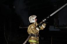 Неисправная электропроводка стала причиной возгорания в автомобиле