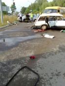 В Йошкар-Оле маршрутное такси врезалось в легковую машину