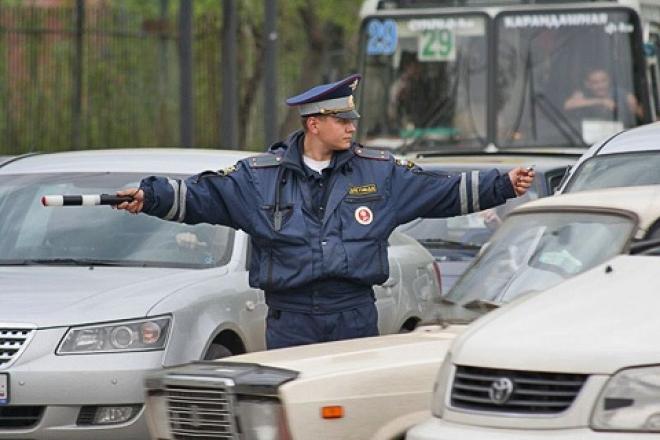 Полиция дежурит на перекрестках