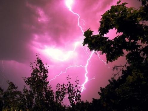 В Килемарском районе молния устроила пожар в жилом секторе