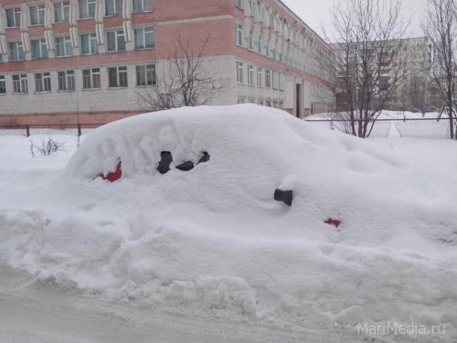 Шквалистый ветер помешал синоптикам замерить высоту снежного покрова