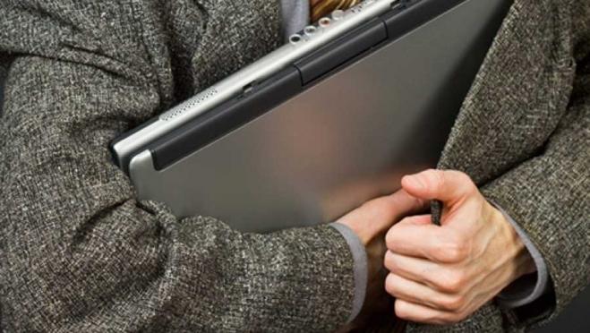 Полицейские ищут злоумышленника, укравшего ноутбук