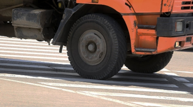 В Марий Эл колесо от «КамАЗа» протаранило автомашину Kia
