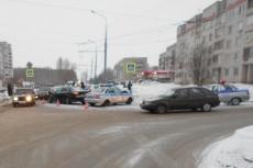 В Йошкар-Оле столкнулись две иномарки, оба водителя оказались нарушителями ПДД