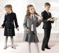 Две трети россиян за введение школьной формы