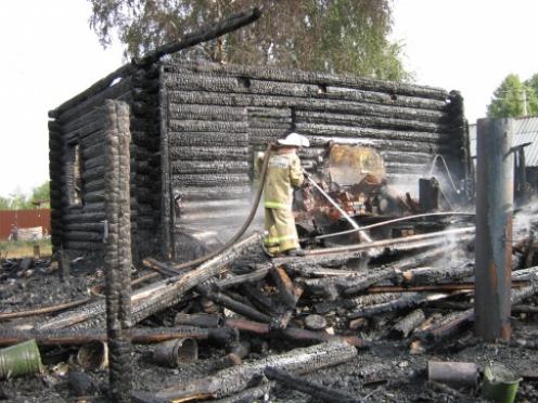 В Горномарийском районе из-за короткого замыкания сгорел жилой дом
