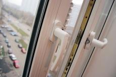В Йошкар-Оле из окна 6 этажа выпала трёхлетняя девочка