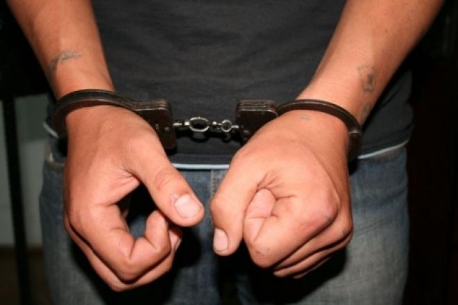 В Йошкар-Оле 17-летний подросток ограбил несколько торговых палаток