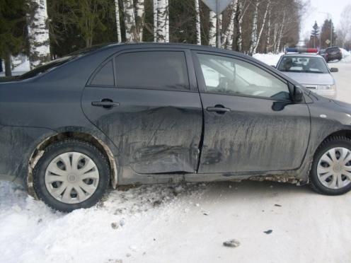 В Советском столкнулись две иномарки — пострадали пешеходы