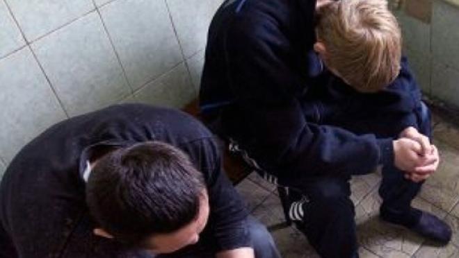 Подростки похитили из магазина алкоголь и сладости