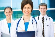 Молодые врачи получили подъемные в Минздраве республики