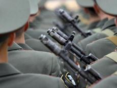 Семьям военнослужащих, пропавших без вести, будут платить ежемесячные компенсации