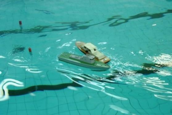 В школьном бассейне будут плавать подводные лодки и боевые корабли
